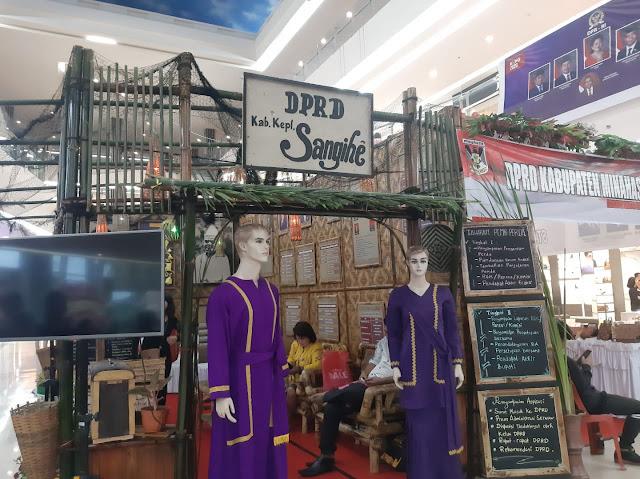 Kabupaten Sangihe tampilkan Kerajinan tangan, bambu batik di Legislative SulutGo Expo 2020