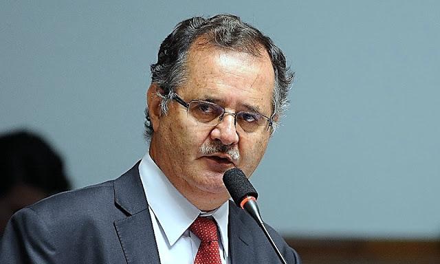 Marco Falconí: Comisión Especial decide retirarlo como miembro titular de JNJ