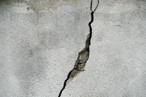 parete lesionata-crepa muro
