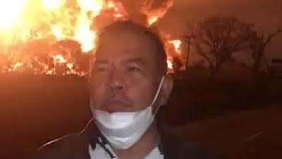Heboh! Seorang Pria Berdiri Tepat Didepan Kobaran Api Pada Saat Kejadian Ledakan Pertamina Balongan