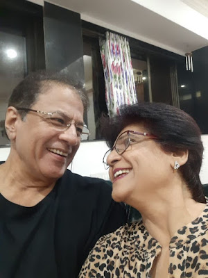arun-govil-with-wife