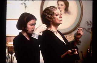 Dunia Sinema Gosford Park Mary dan Constance