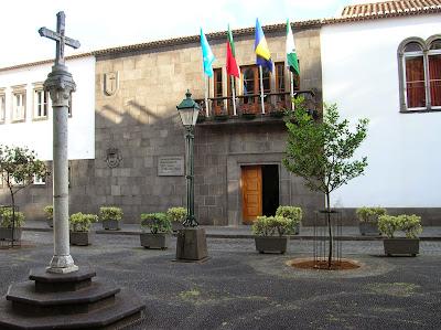 Ayuntamiento de Santa Cruz, Madeira, Portugal, La vuelta al mundo de Asun y Ricardo, round the world, mundoporlibre.com