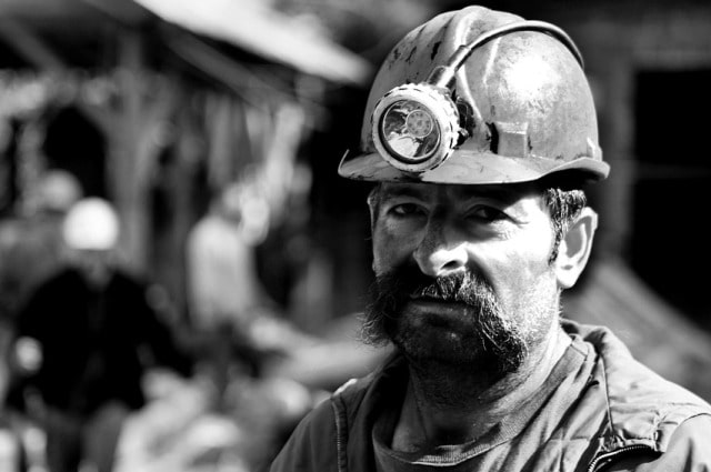fifo mining job fly in fly out miner career work in the mines