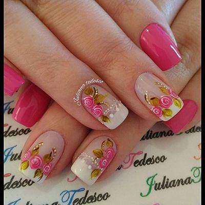 unhas com esmalte branco e esmalte rosa