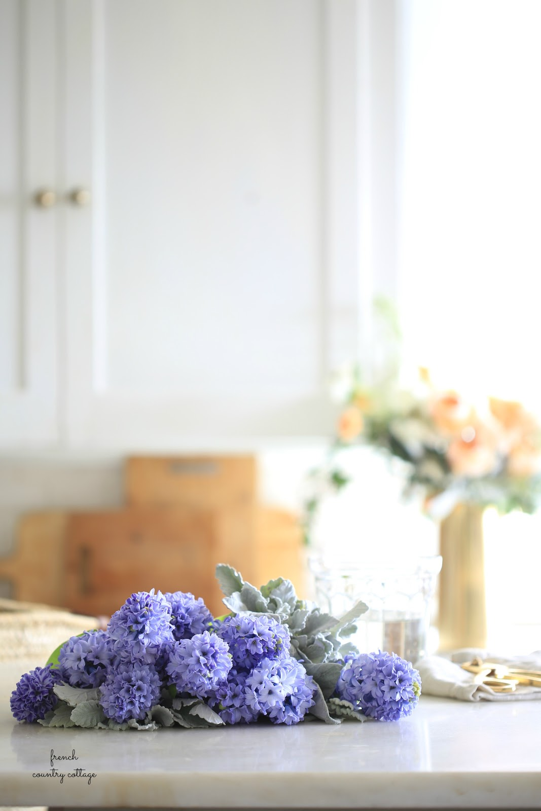 3 tips for buying flowers and a beautiful spring bouquet under $15 ...