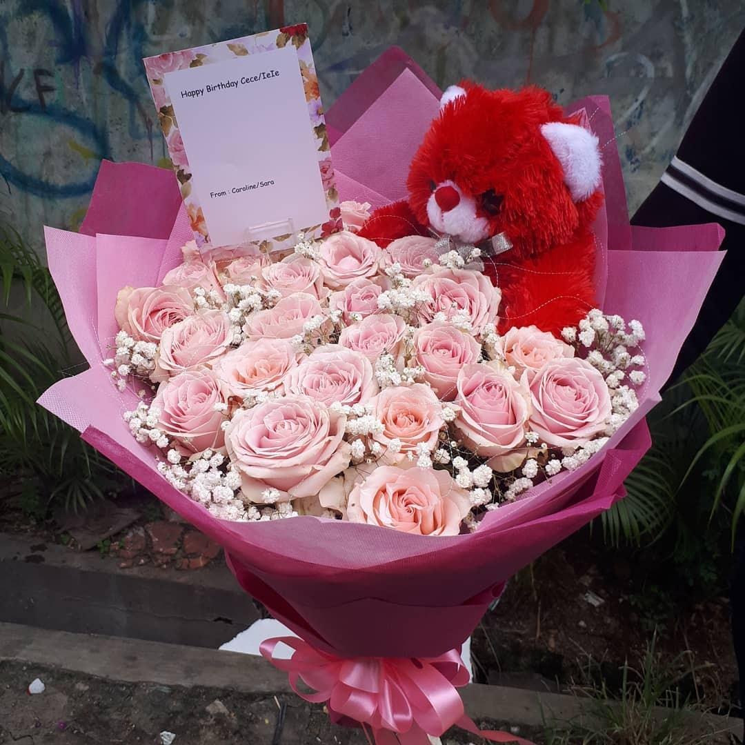 Karangan Bunga Tangan Hand Bouquet 033