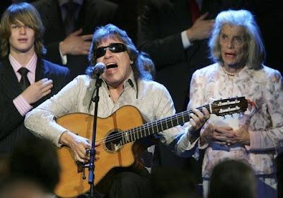 Foto de José Feliciano en el escenario