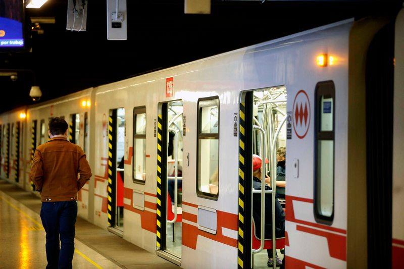 Prisión preventiva para el hombre que quemó con ácido a mujeres en el Metro