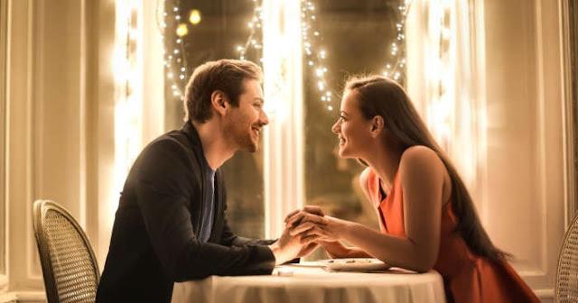5 Tips Memilih Pakaian untuk Merayakan Hari jadi Bersama Pasangan