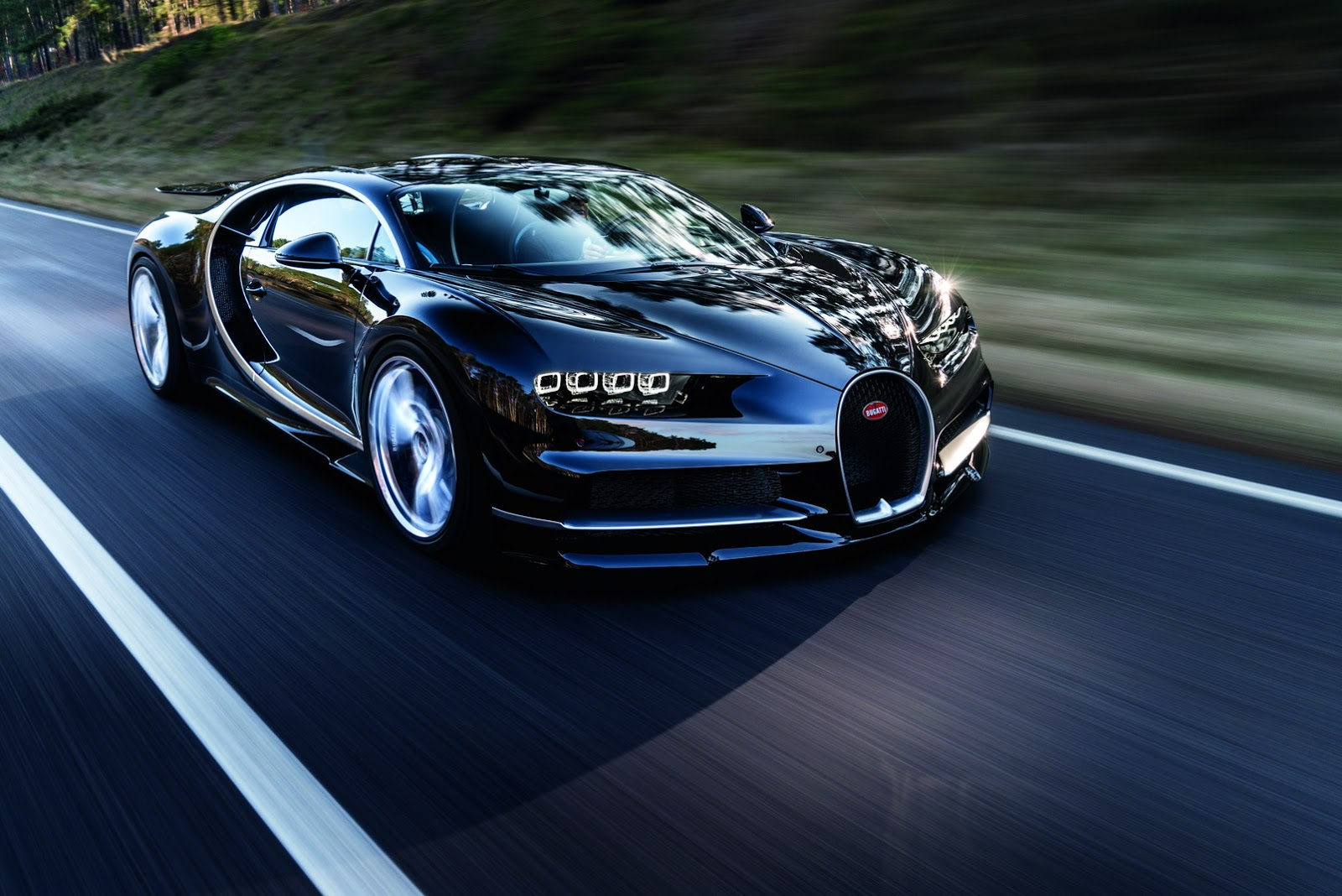 bugatti chiron is official 1 500 horsepower 260 mph 2 6 million 95 pics. Black Bedroom Furniture Sets. Home Design Ideas
