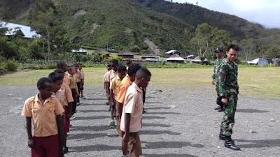 Upaya Satgas Yonif Raider 509/Kostrad Memajukan Mutu Pendidikan di Papua