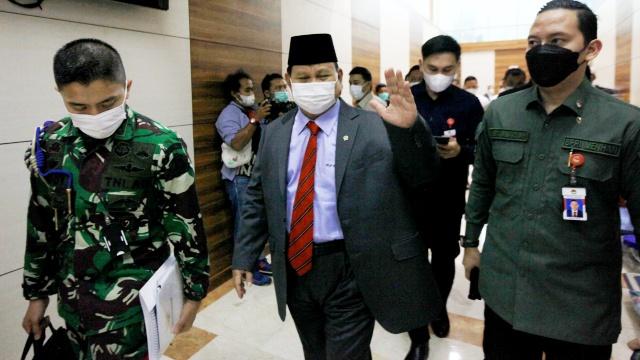 Lieus Sungkharisma: Kini Saatnya Menhan Prabowo Jadi Panglima Perang Melawan Covid-19
