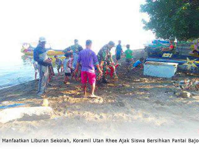 Manfaatkan Liburan Sekolah, Koramil Utan Rhee Ajak Siswa Bersihkan Pantai Bajo