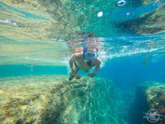 Snorkel en la Cala de l'Advocat, Benissa