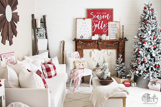 Christmas living room decor and decorating ideas. Red and white christmas decor. Farmhouse Christmas decorating ideas. Christmas tree decorating ideas. Fireplace mantel christmas decor.