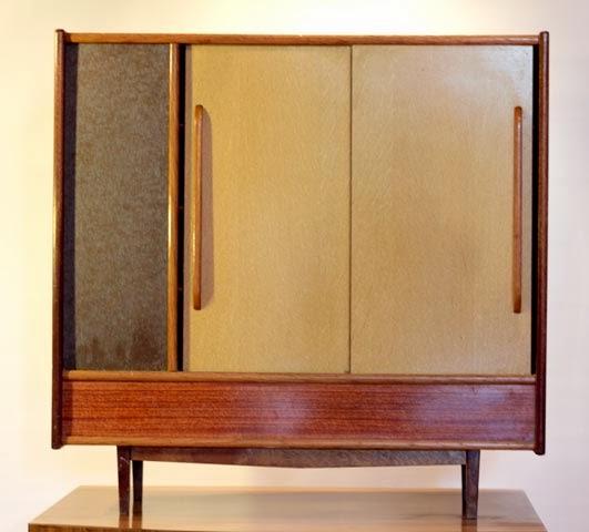 chicbaazar objets vintage 50 60 70 superbe petite armoire de rangement 1950 60 vintage. Black Bedroom Furniture Sets. Home Design Ideas