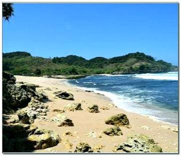 Foto Pantai Molang Tulungagung