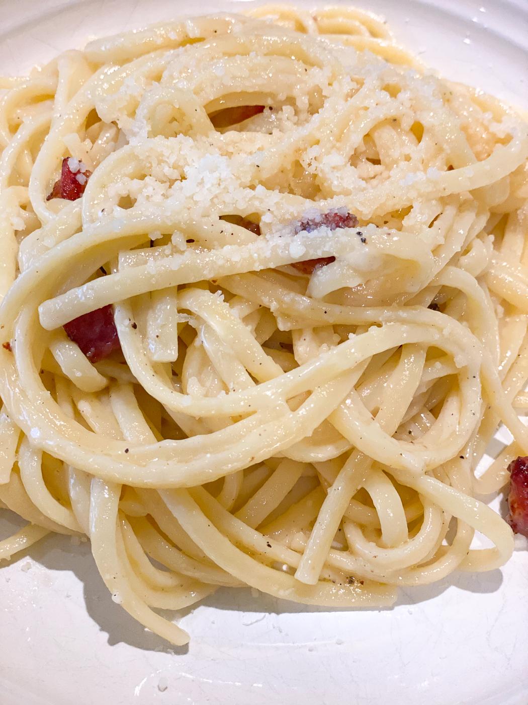 cacio e pepe with pancetta, cacio e pepe recipe, pasta cacio e pepe