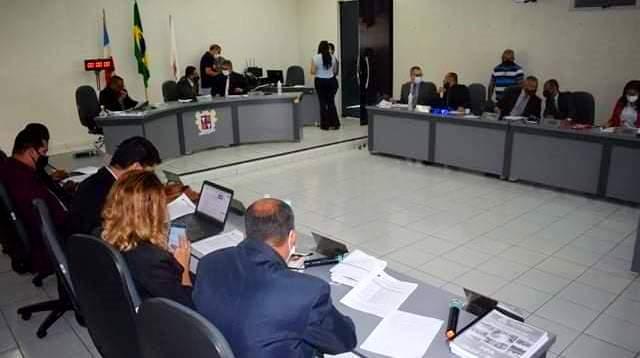 Vereadores de Itapetinga planeja reajustar os salários de R$ 8 mil para R$ 14 mil