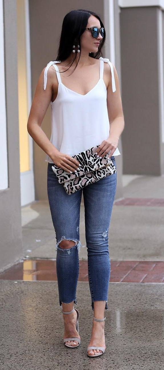 summer ootd: top + ripped jeans