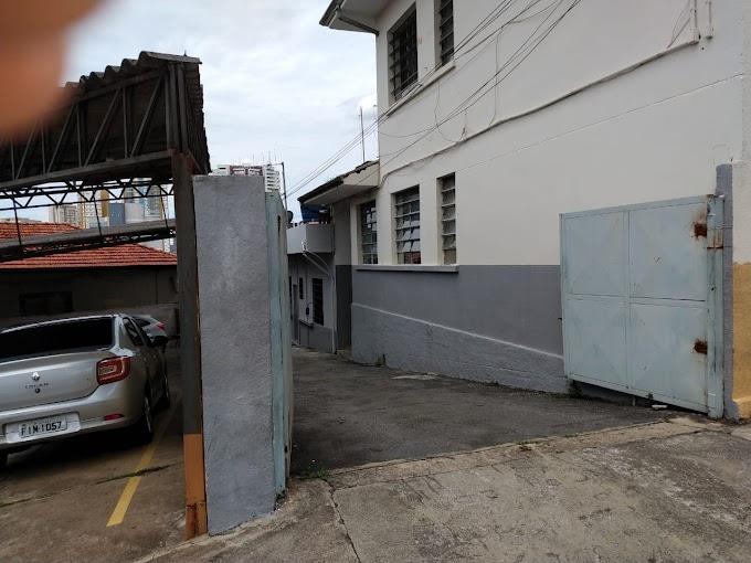 ARTESÃO ACUSADO DE ROUBO INVADE CASA E ESPANCA DUAS MORADORAS NA VILA DA PRATA