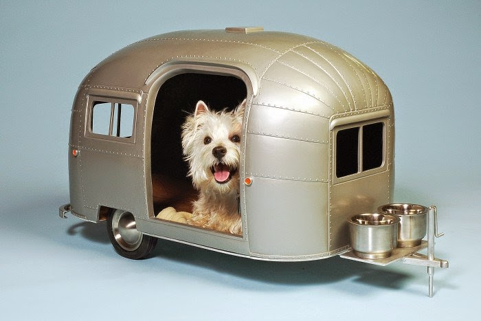 01-Airstream-Judson-Beaumont-Straight-Line-Designs-Happy-Animals-in-Pet-Trailers-www-designstack-co