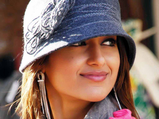 Lovely Ileana D'Cruz HD Images Nice Photos New Pictures
