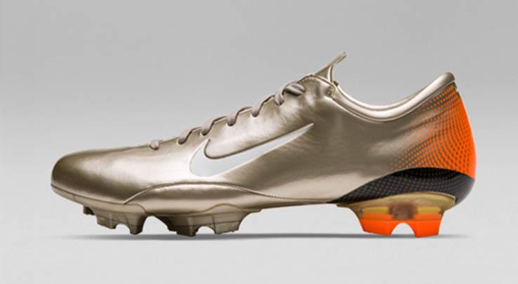 In Detail - Nike Mercurial Vapor III 2006 Football Boots - Footy ... c4d1601a5eff8