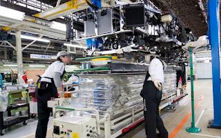 tugas kerja seorang operator produksi di pabrik