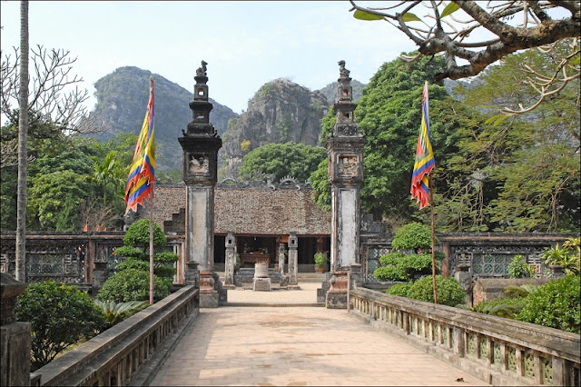 2 days to wander about enjoying beautiful sceneries in Ninh Binh