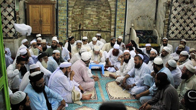 IIC contacts Popalzai to determine the moon that sets the debate