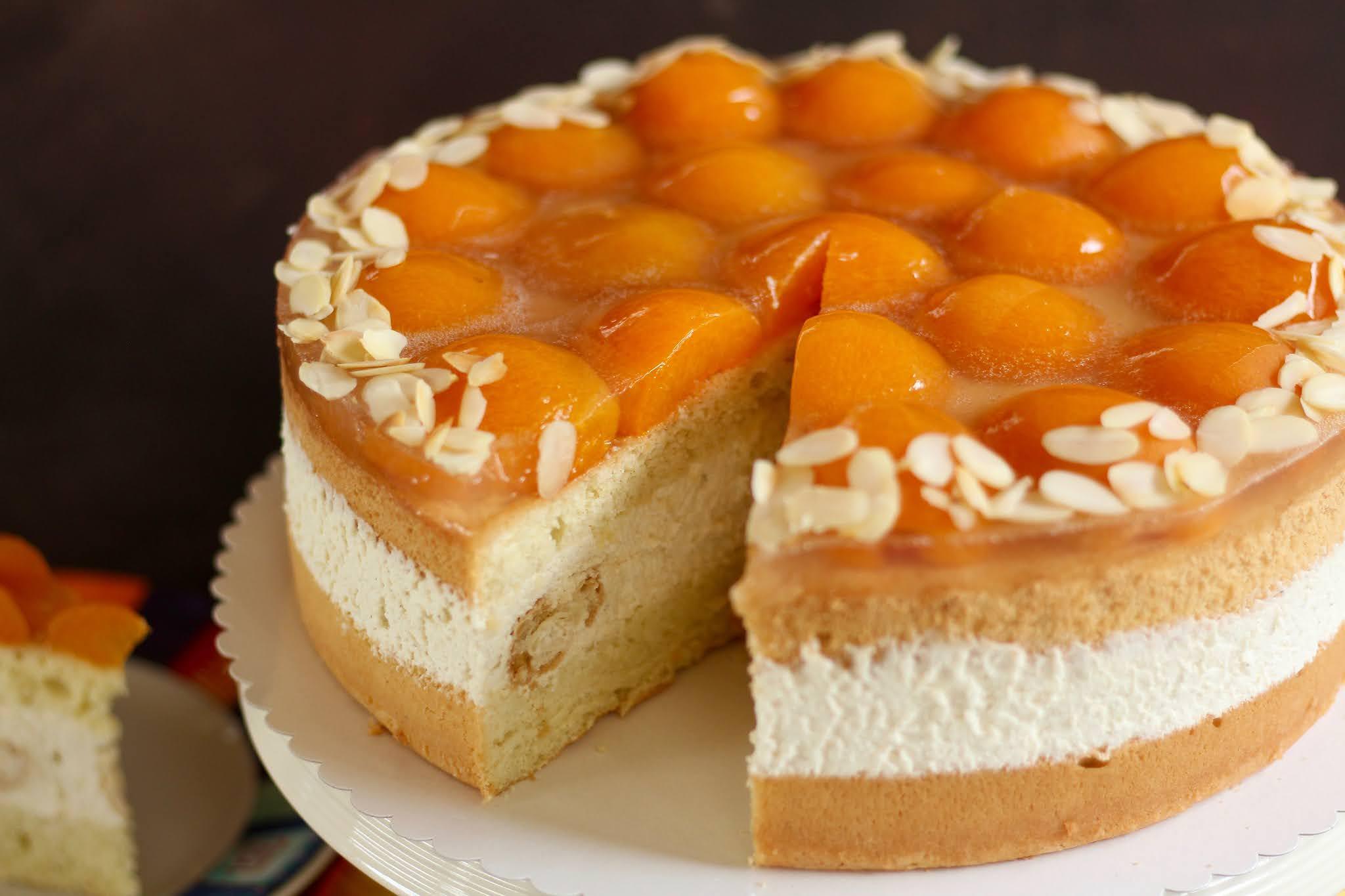 Super schnelle, einfache Windbeutel-Torte mit Aprikosen / Ostertorte   Rezept und Video von Sugarprincess