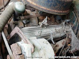 283-V8 Corvette engine