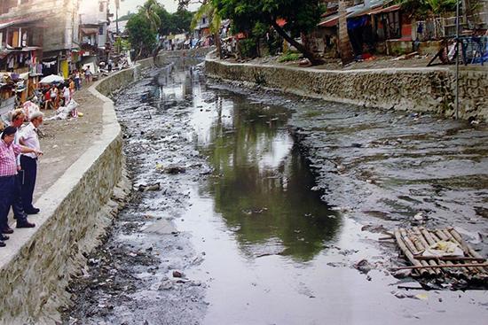 kanal kota sebelum di bioremediasi