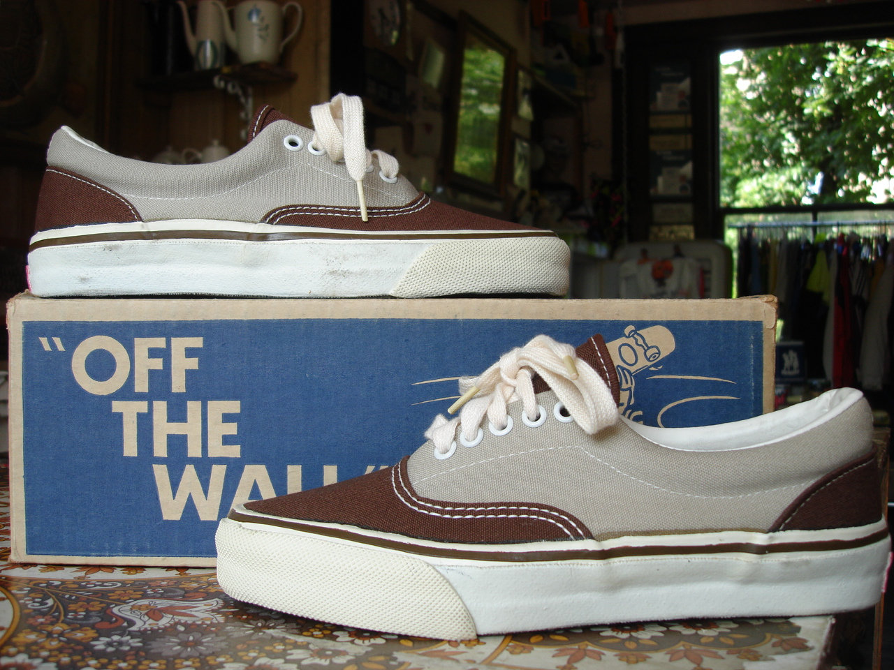 a3af04a293 vintage vans style  95 era 2-tone brown grey brown canvas made in usa circa  1979 new in box. US7 UK6-6.5