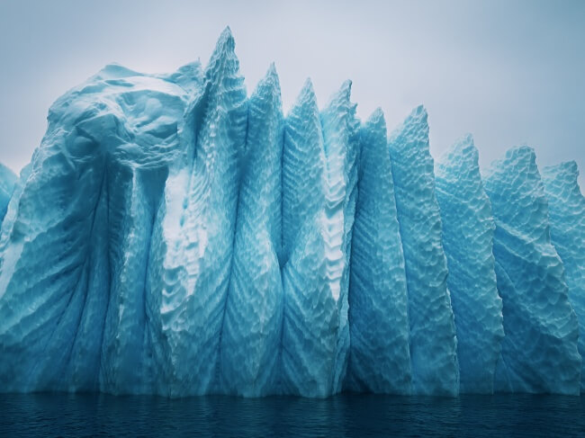 22 Breathtaking Images Of Things You've Never Seen Before - An incredible iceberg in Greenland