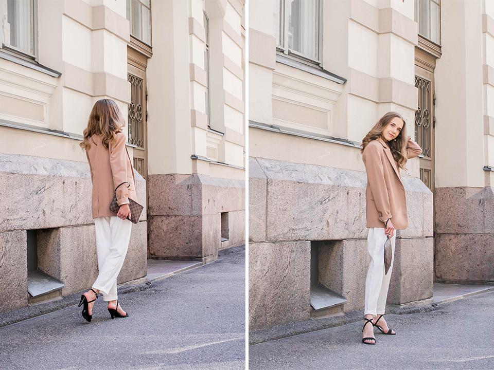 Suit style outfit with white trousers and camel blazer  - Jakkupuku, syyspukeutuminen, inspiraatio, valkoiset housut, beige bleiseri