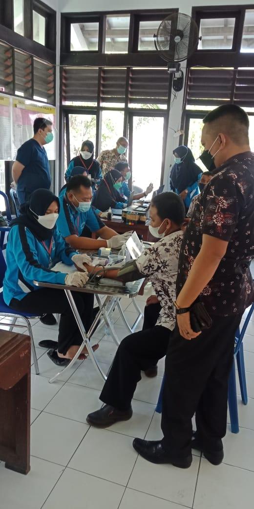 Kemenkes Patok Harga Vaksin Gotong Royong Berbayar Rp 879.140,-
