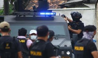 Densus 88 Amankan Dua Terduga Teroris di Lima Kaum Tanah Datar, Sumbar