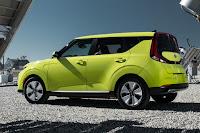 Kia Soul EV (2020) Rear Side