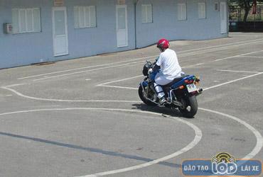 thi bang lai xe moto a2 trung tam lai xe 24h