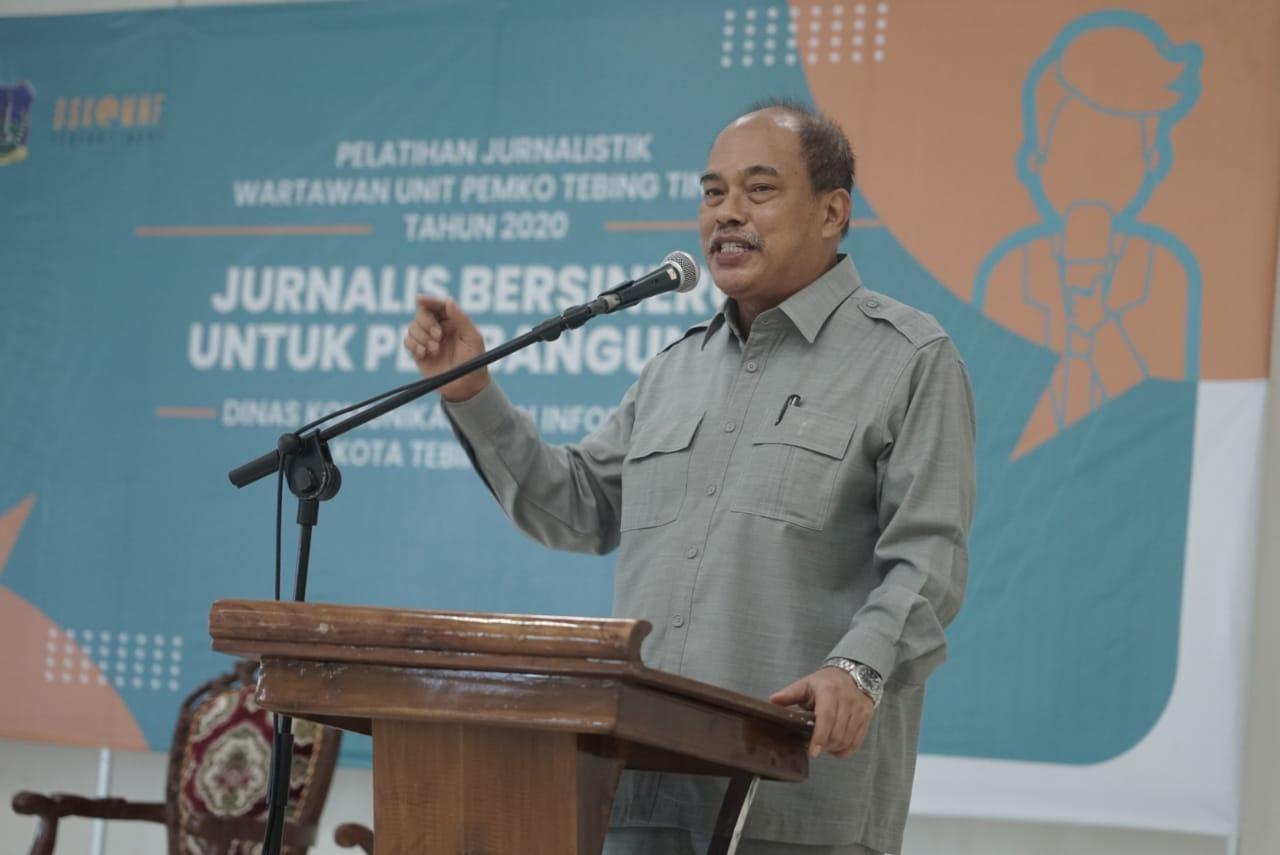 Buka Pelatihan Jurnalistik Wartawan, Walikota Tebingtinggi : Wartawan Harus Bisa Mempertanggungjawabkan Tulisannya
