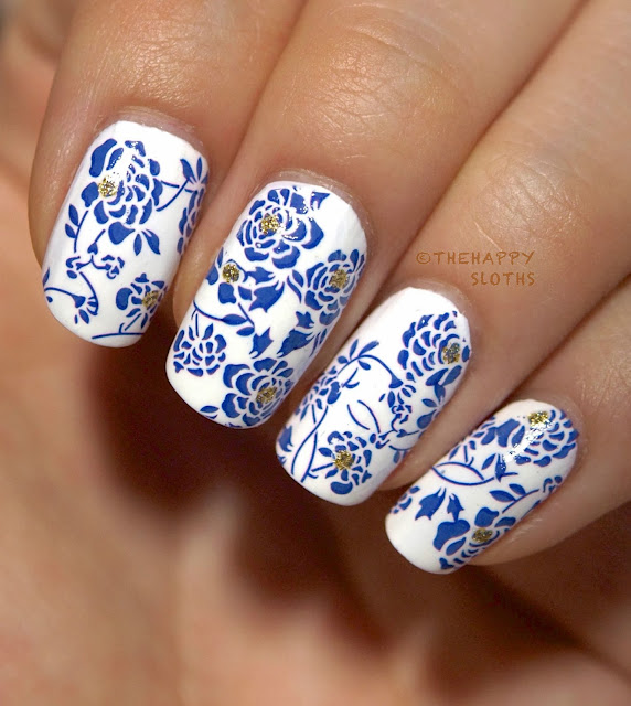 Chinese Porcelain Nail Art by @TheHappySloths