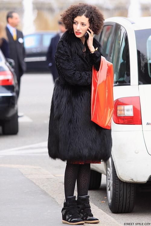 fall fashion fashionweek look milan ootd outfit street streetfashion streetstyle style winter faux fur
