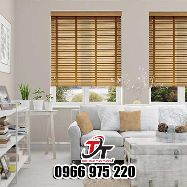 Màn gỗ phòng khách chống nắng cản nhiệt hiện đại