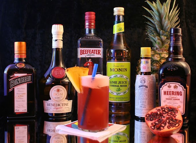 different between liquor and compond of liqueurs //every bartender should analayized 2020