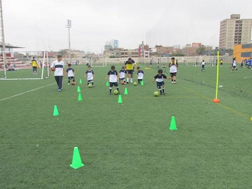 Escuela de Fútbol Club Alianza Lima
