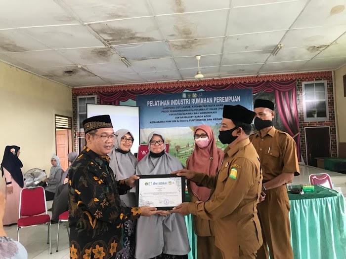 Prodi PMI  Gelar Pelatihan Industri Rumahan Bagi Perempuan Aceh Besar
