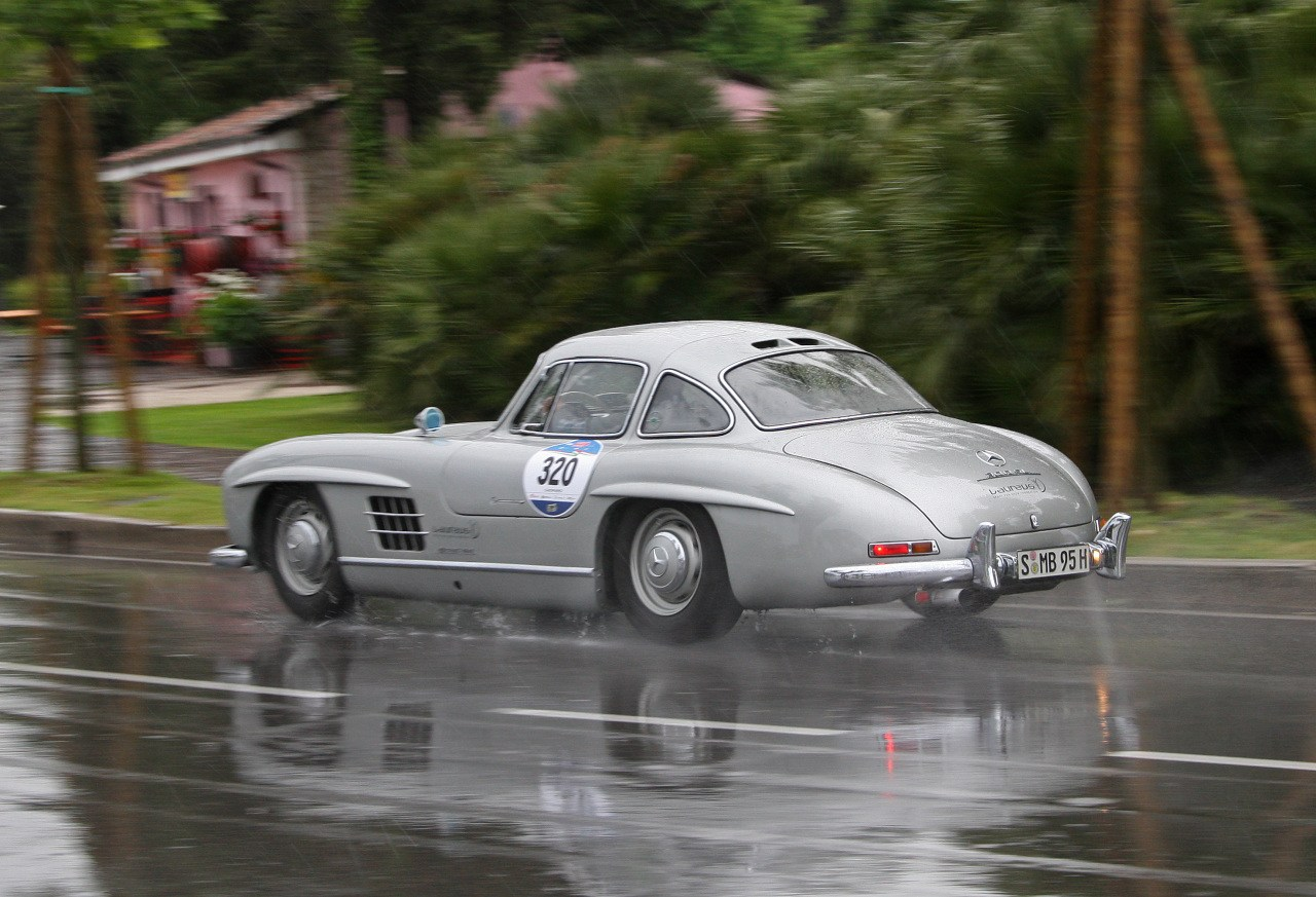 Mercedes-300-SL-4.jpg